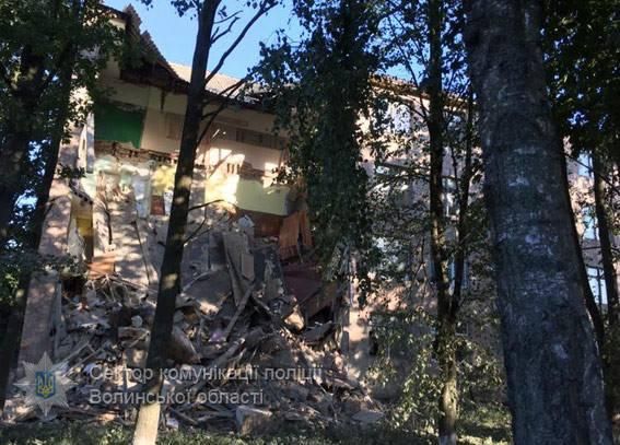Обрушение несущей стены колледжа на Волыни