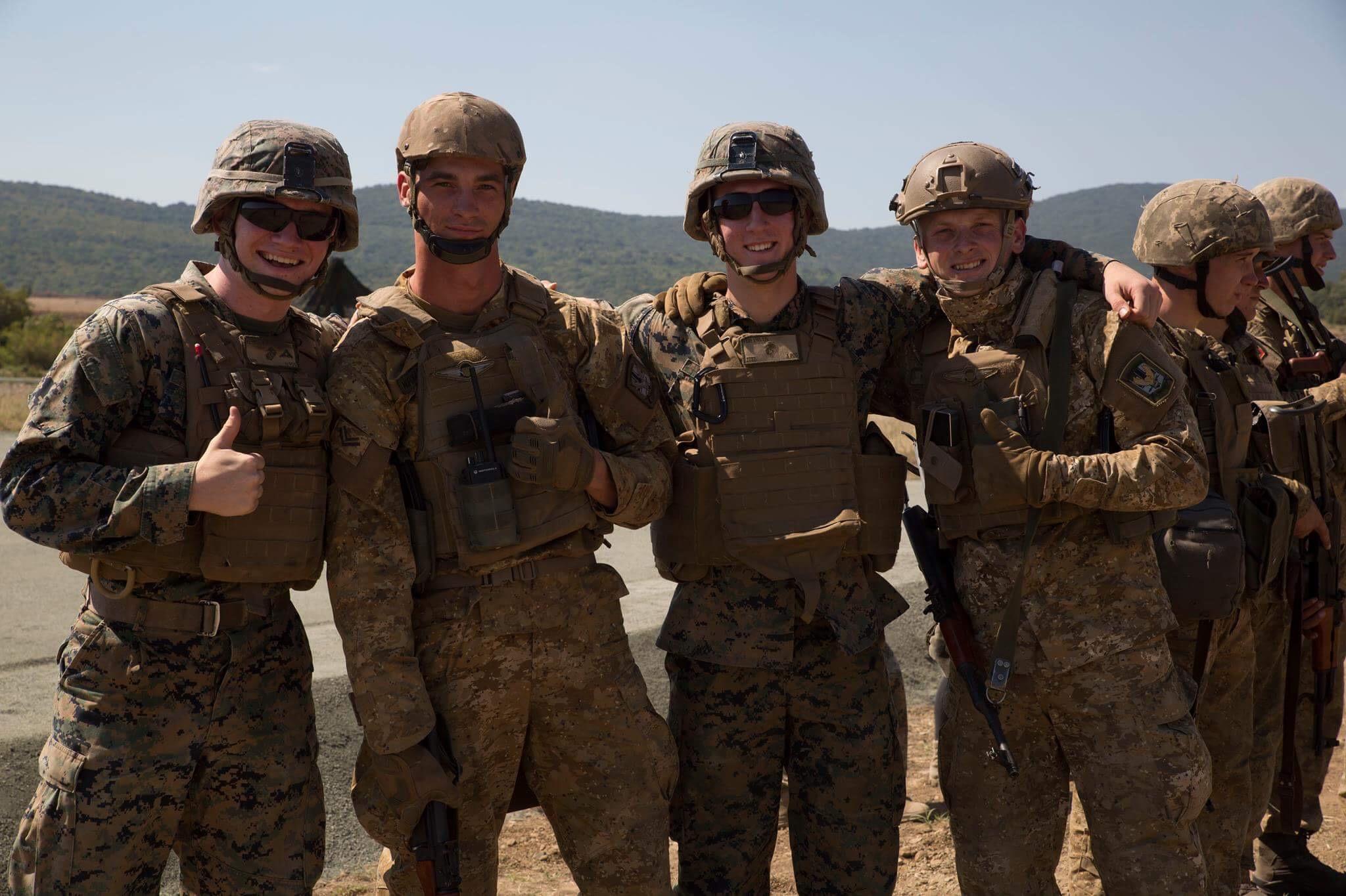 чего фото военных в морской американской форме юбка