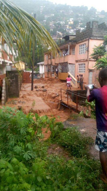 Оползень в столице Сьерра-Леоне