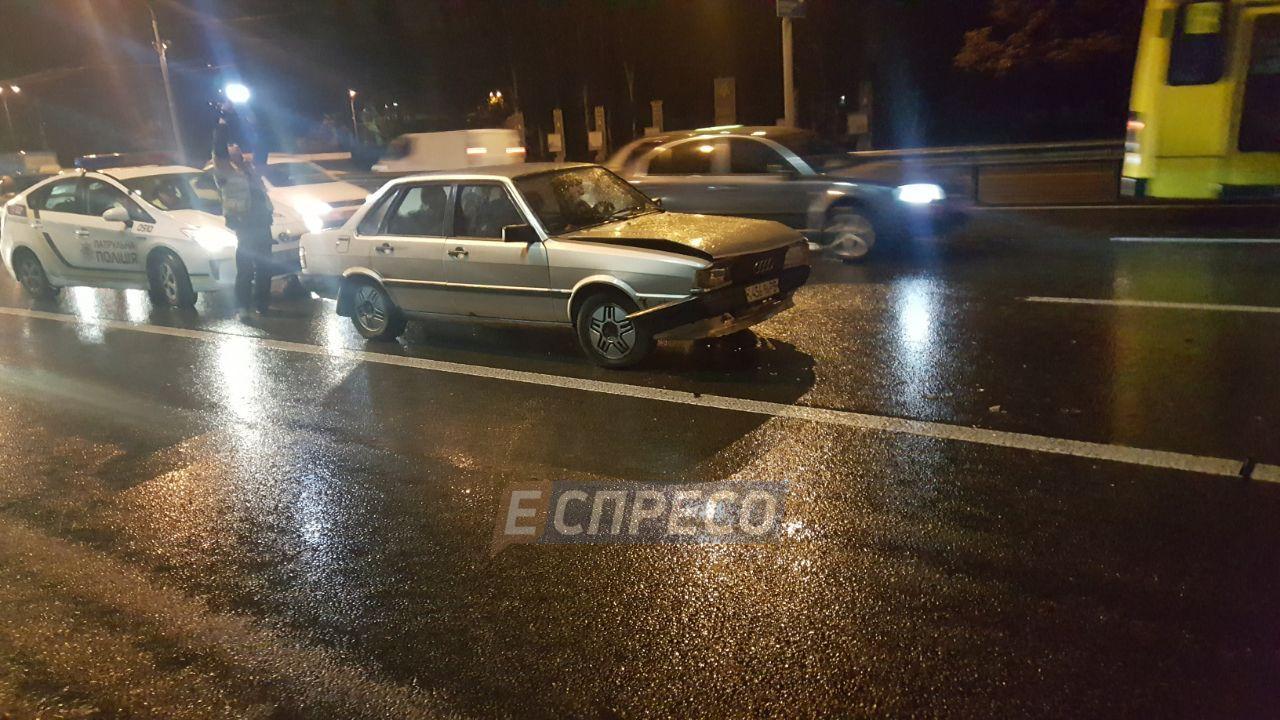 В Киеве произошла авария с участием пяти легковых автомобилей