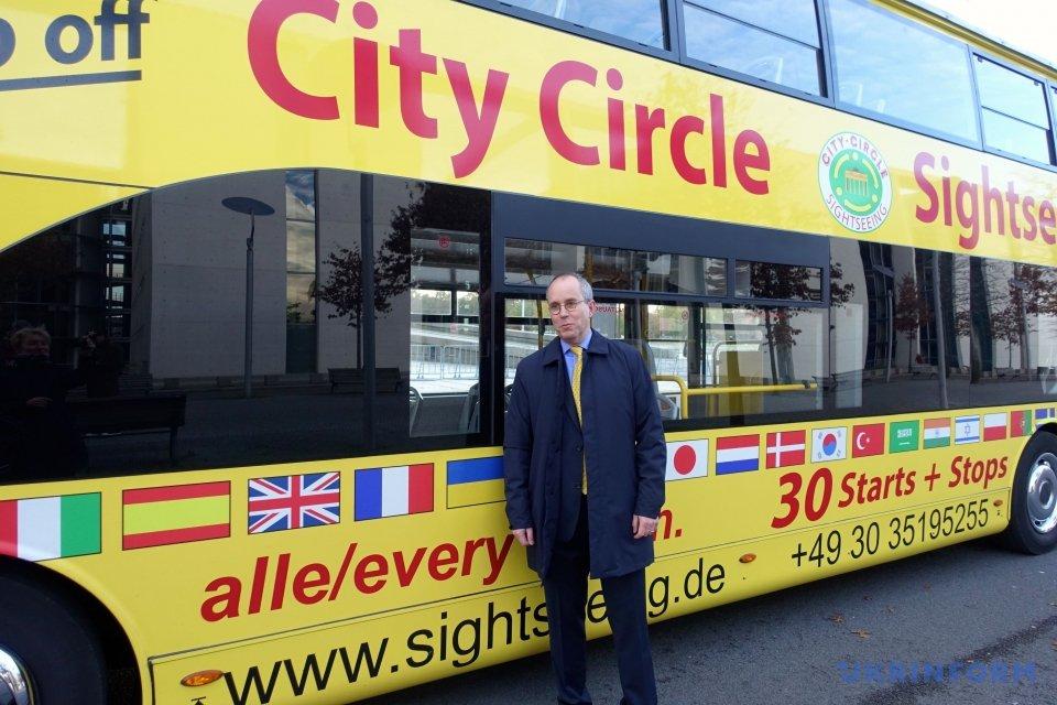 В экскурсионных автобусах
