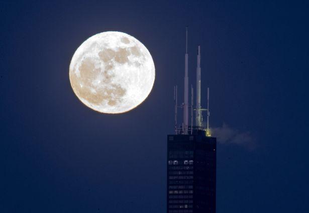 Supermoon over Chicago