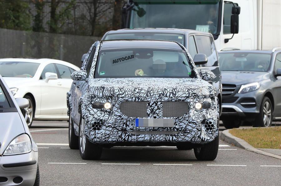 Новый кроссовер от Mercedes-Benz.