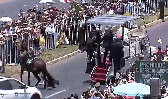 Pope Francis Pope Francis Chile Pope Francis policewoman Pope Francis horse Pope Francis flung Pope Francis Vatican 1200414