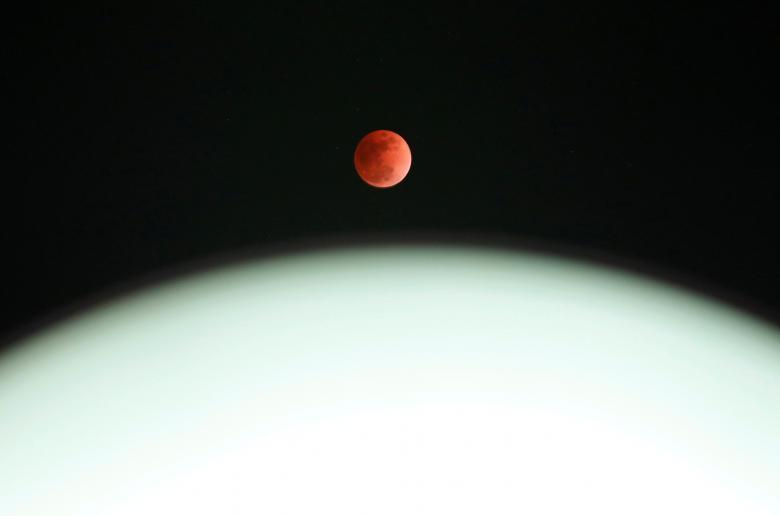 Луна12