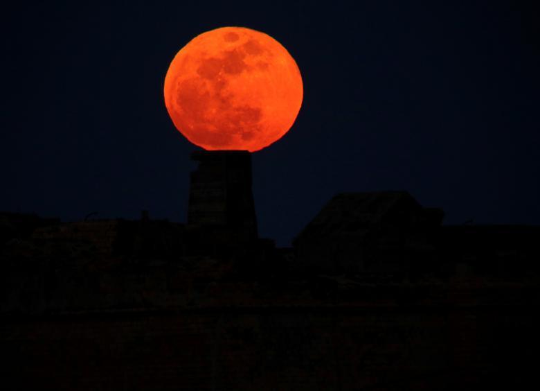 луна9
