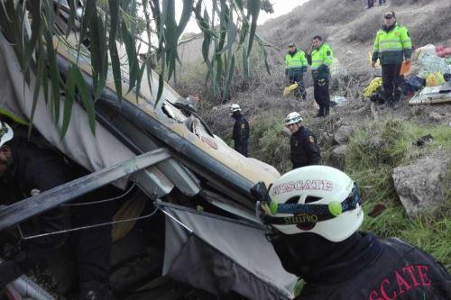 В Перу автобус упал в пропасть.