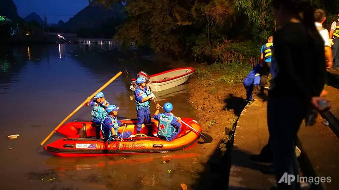 china dragon boat accident