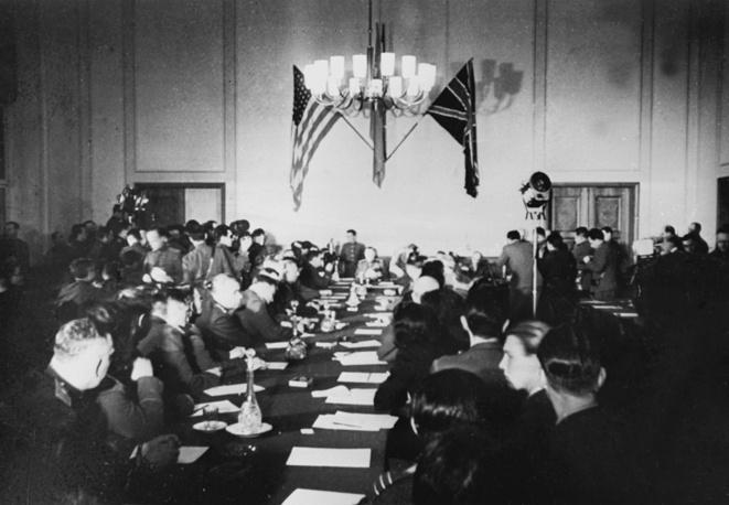 Подписание акта о безоговорочной капитуляции Германии в Карлсхорсте