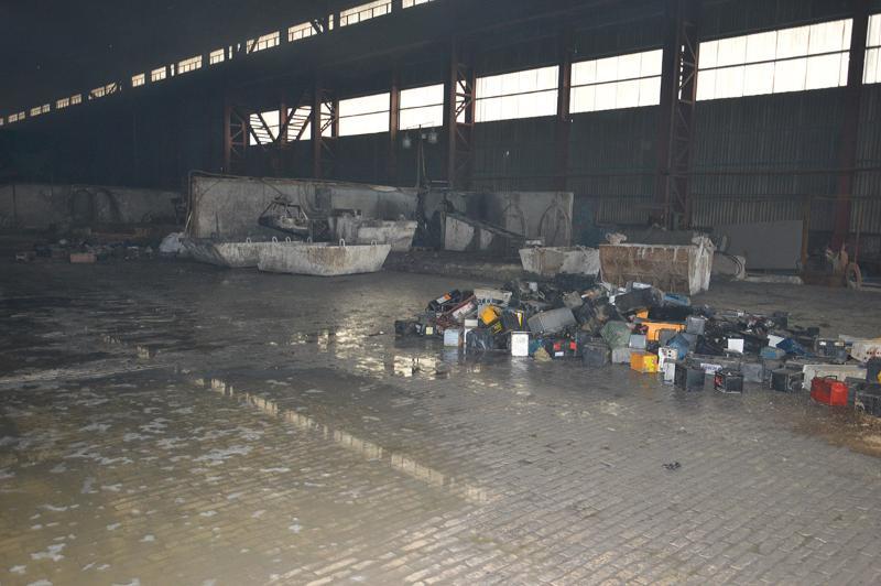 Пожар на аккумуляторном заводе.