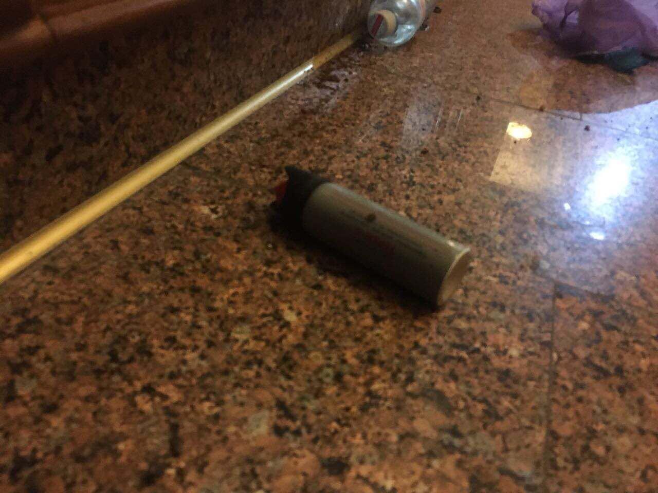 Последствия столкновений в здании горсовета.