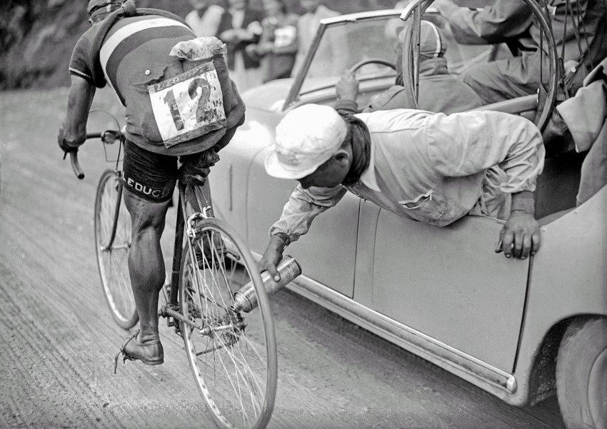 Прикольные картинки вело, надписью смешные истории