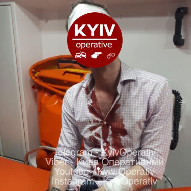 нападение с саблей_Киев
