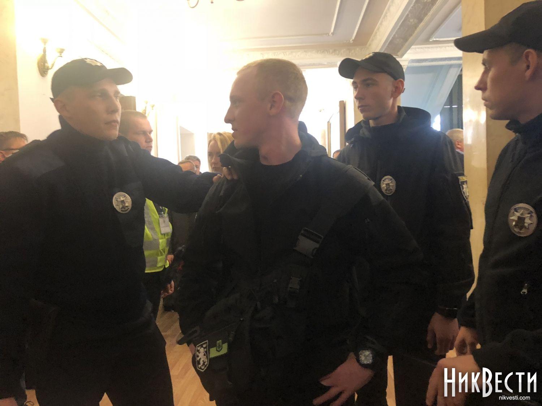 Николаев_горсовет_фекалии