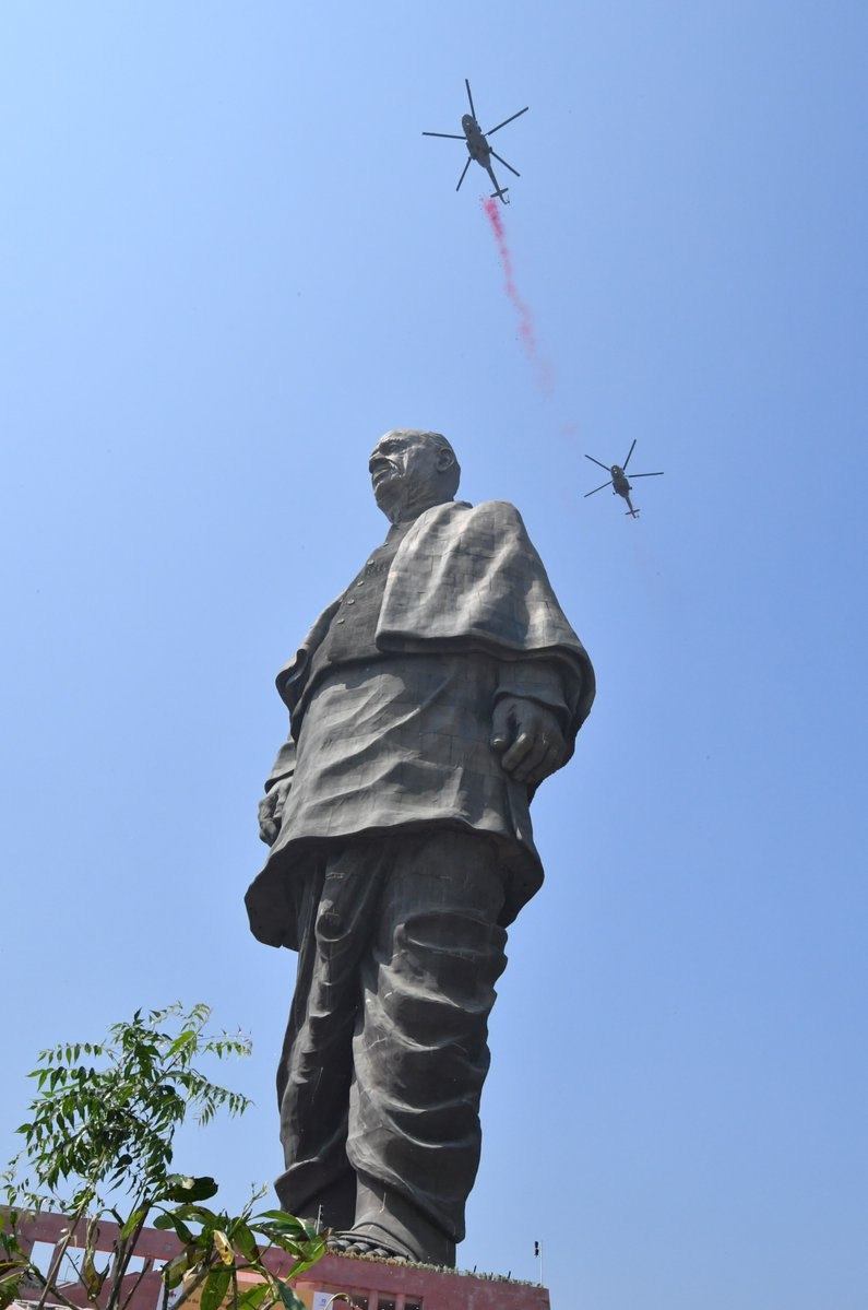 статуя23