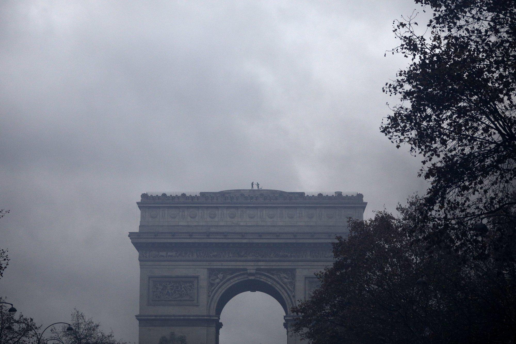 Париж17