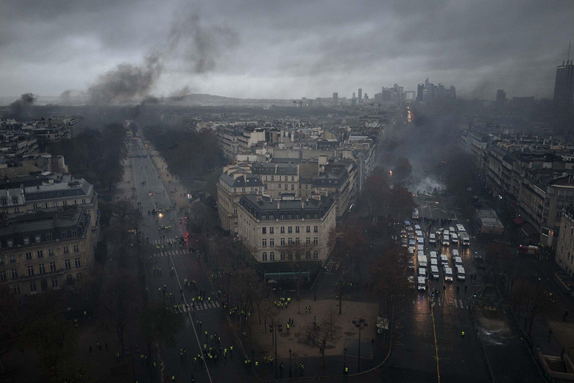 Париж19
