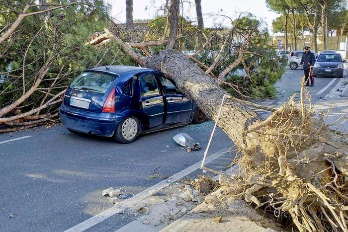 ураган италия4