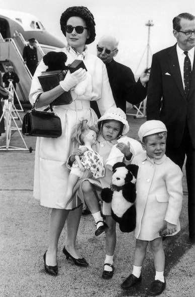 6 Грейс Келли с детьми