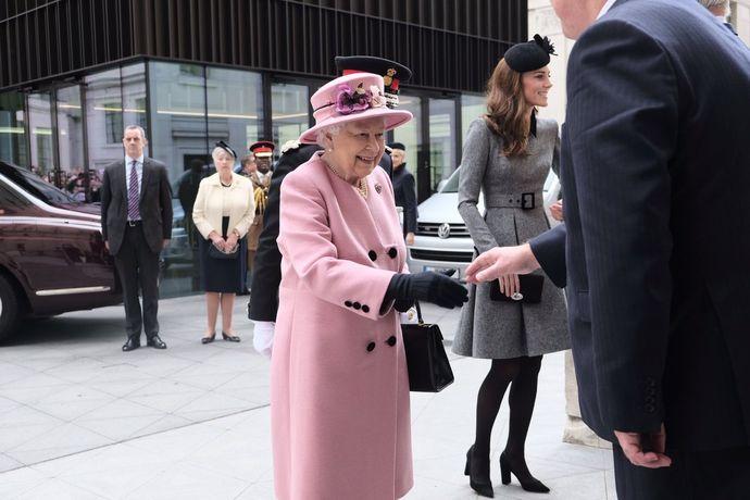 кейт и королева2