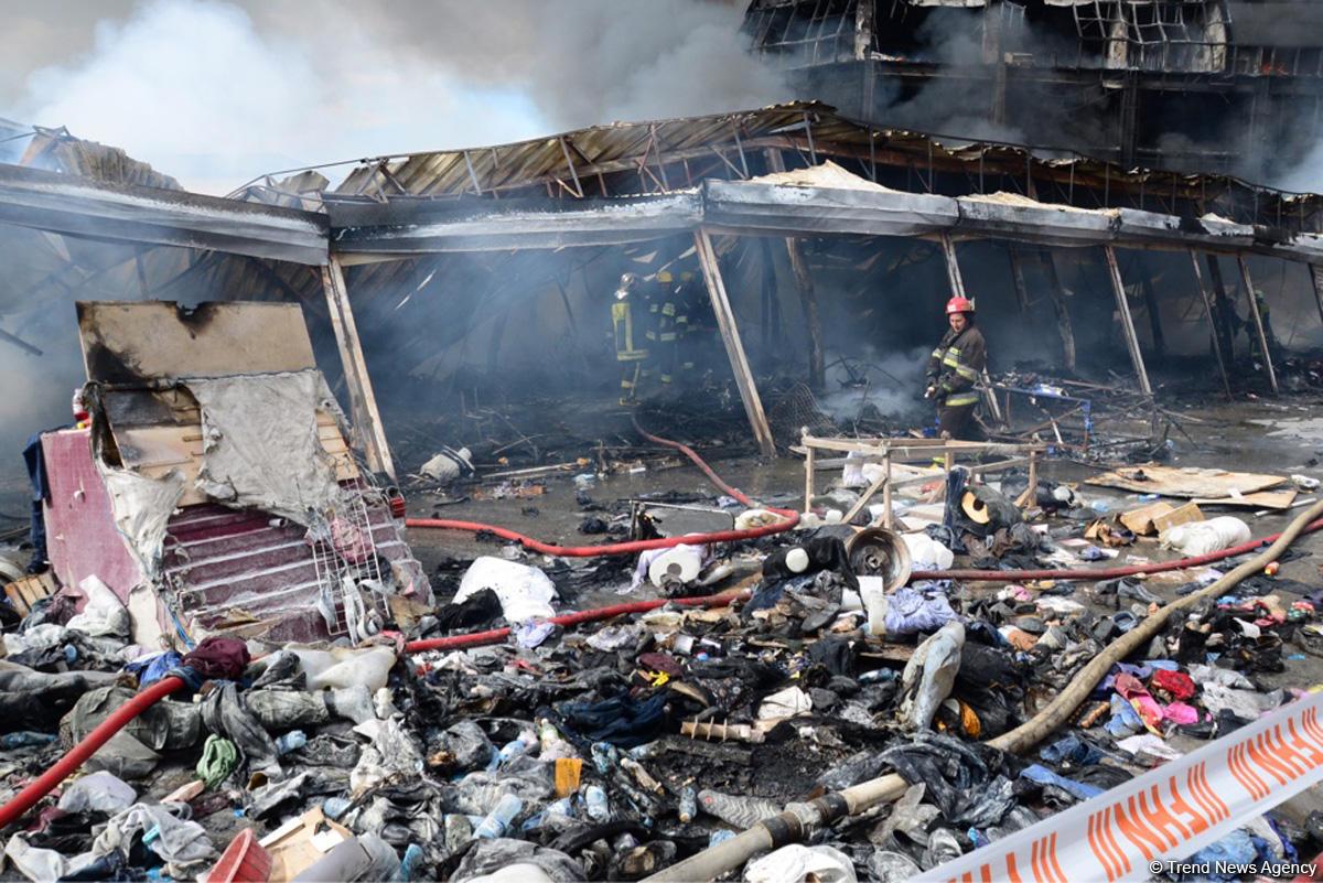 пожар в тц в Баку