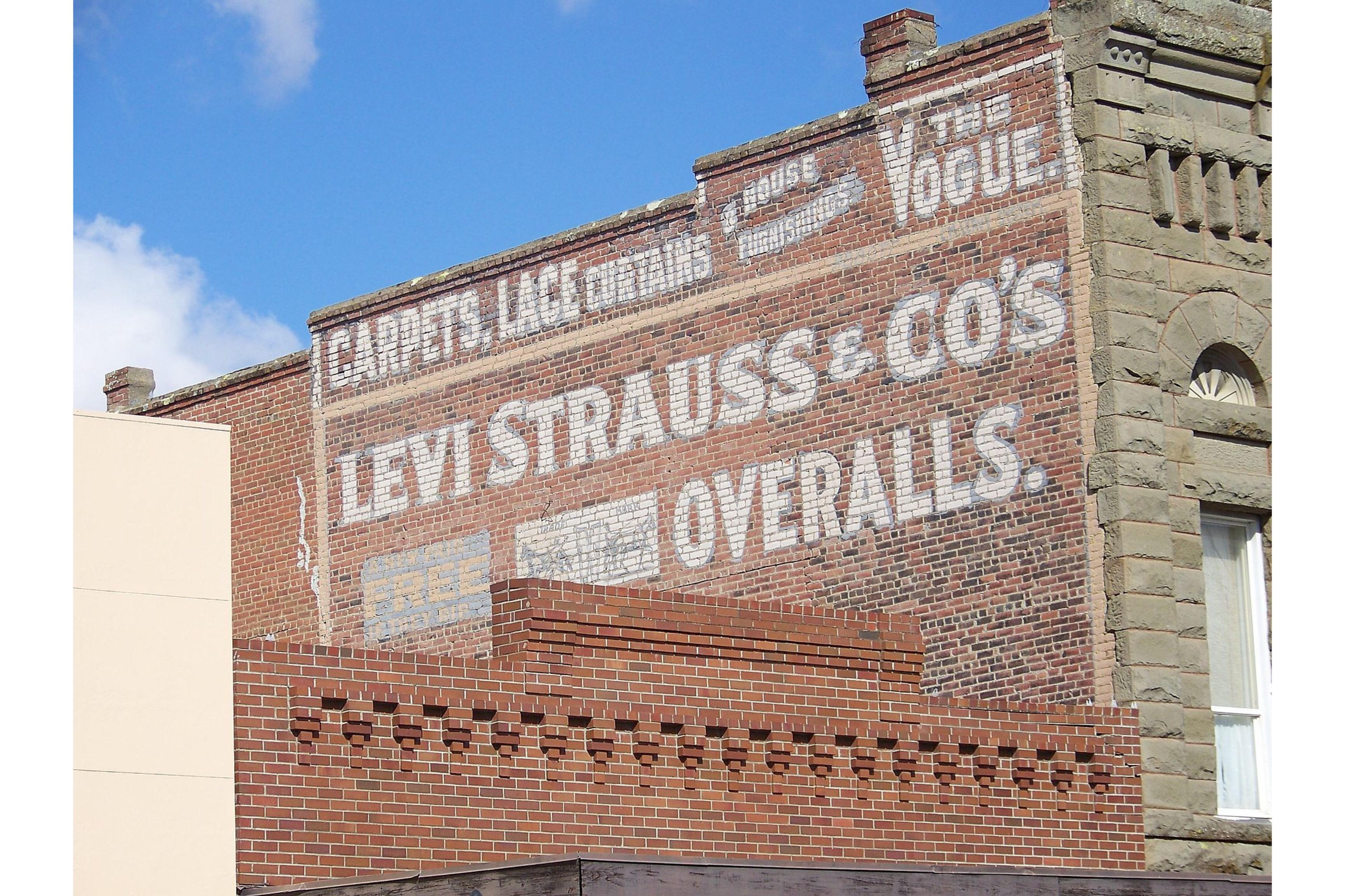 Капсульная коллекция Levi's