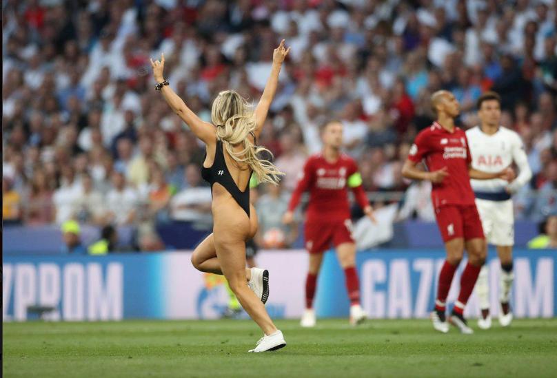 Фото с матча ливерпуль тоттенхэм