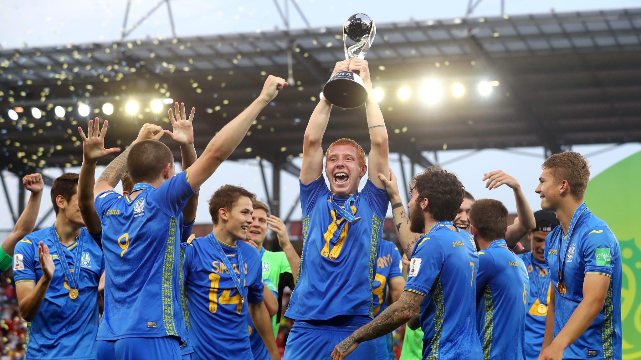поздравление по футболу чемпионами мира застройщиков ориентирован