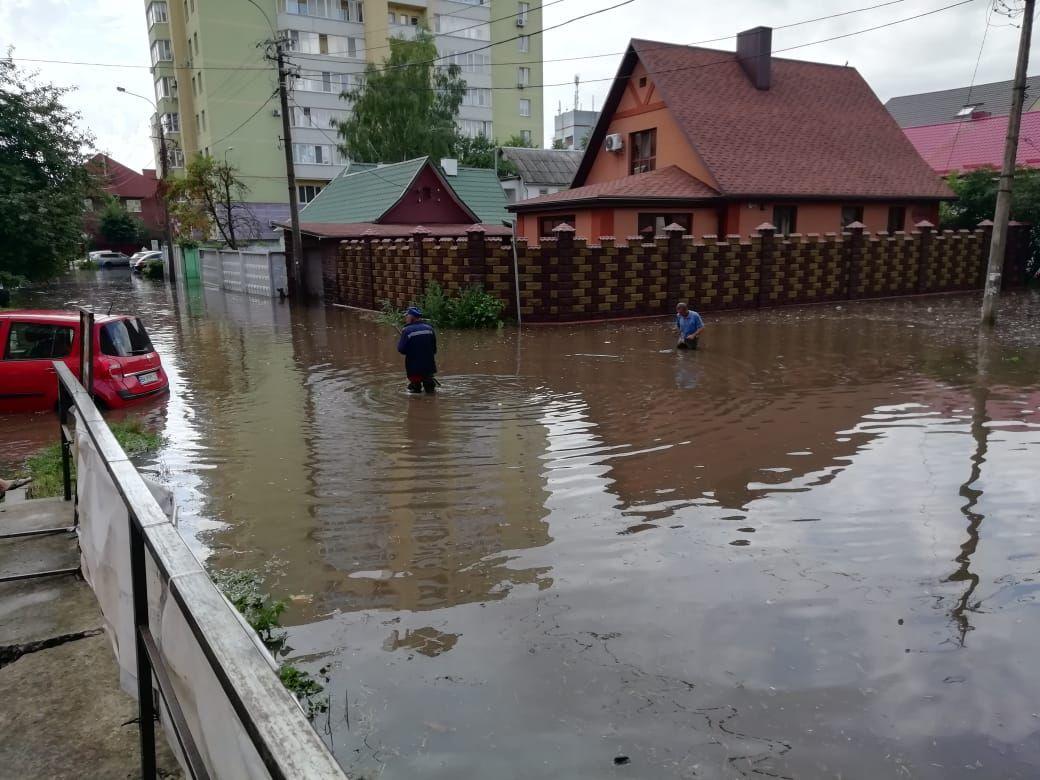 ливень_ровно