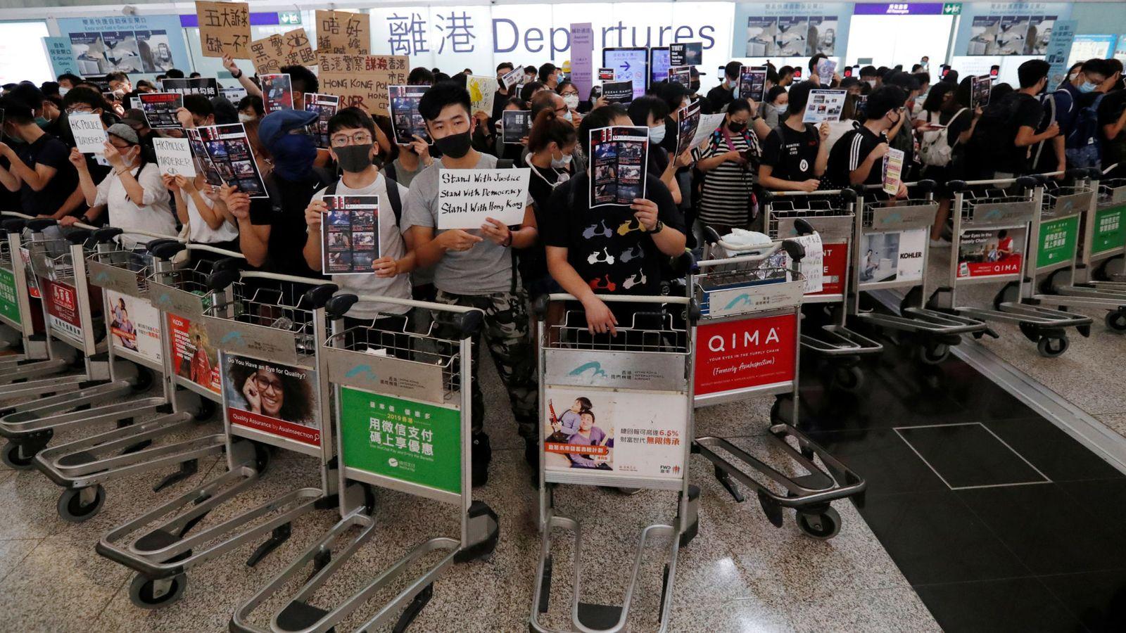 протесты_гонконг_аэропорт